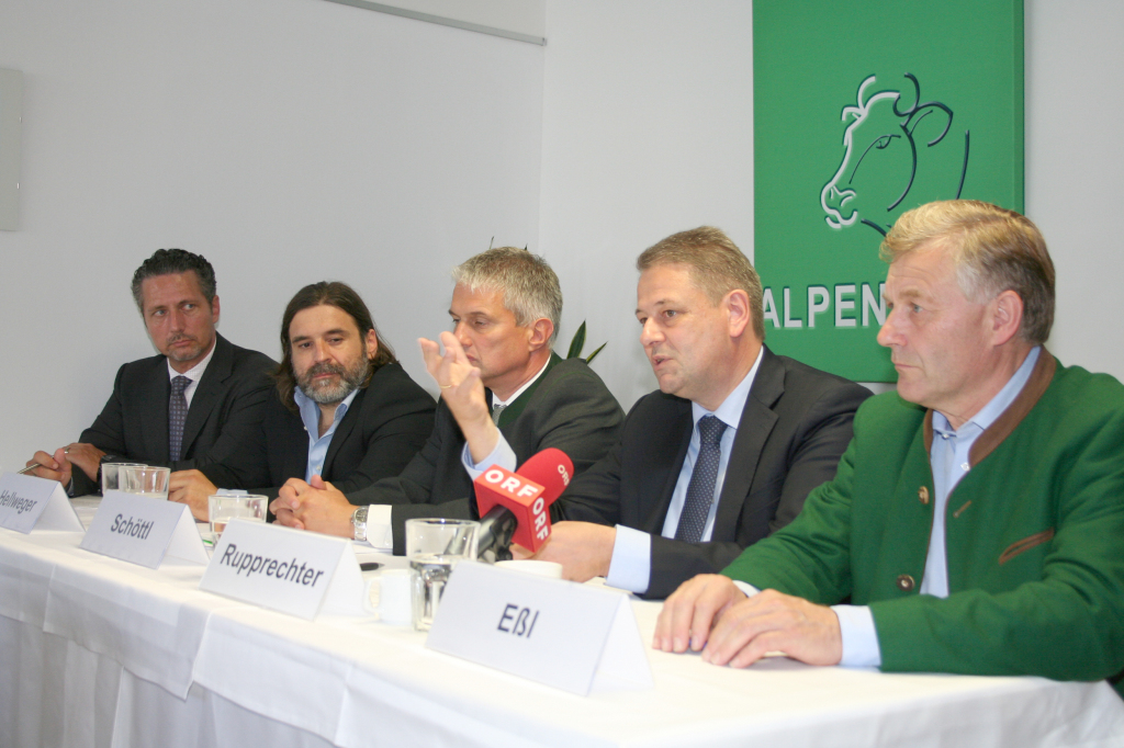 Minister Rupprechter bei ALPENRIND Salzburg